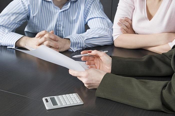 Погашение задолженности третьим лицом: правовые особенности и возможные риски