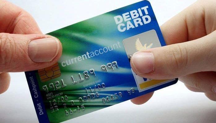могут приставы снять деньги с кредитной карты