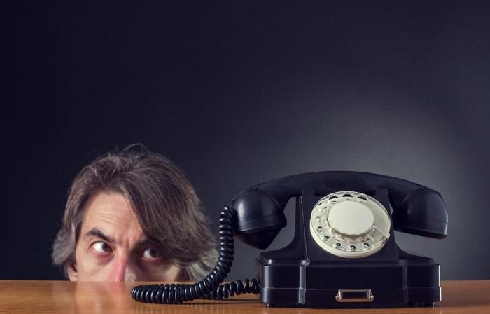Коллекторы звонят на работу