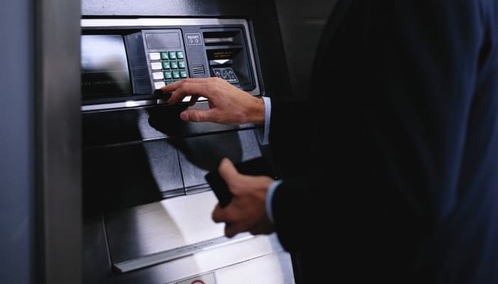 Банк устанавливает проценты
