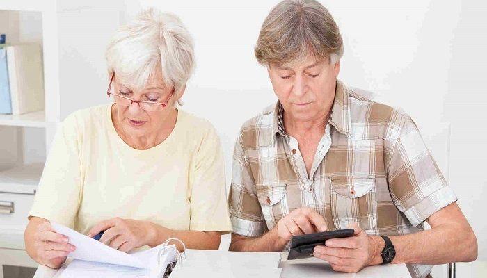 В каком банке взять кредит пенсионеру