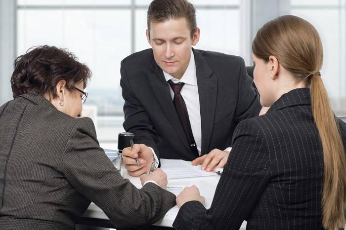 Передача денег при покупке наличными: как обезопасить сделку