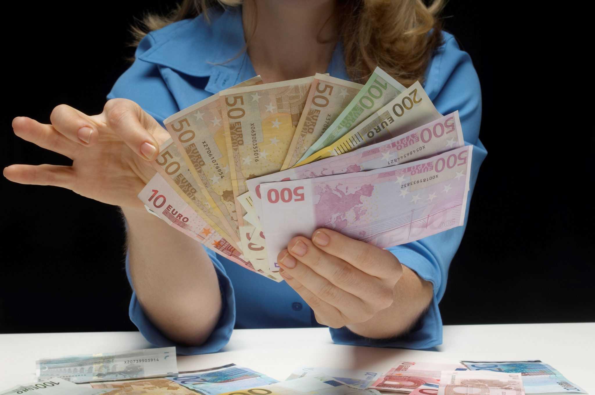 В какой валюте хранить деньги: анализ финансовой обстановки и лучшие варианты