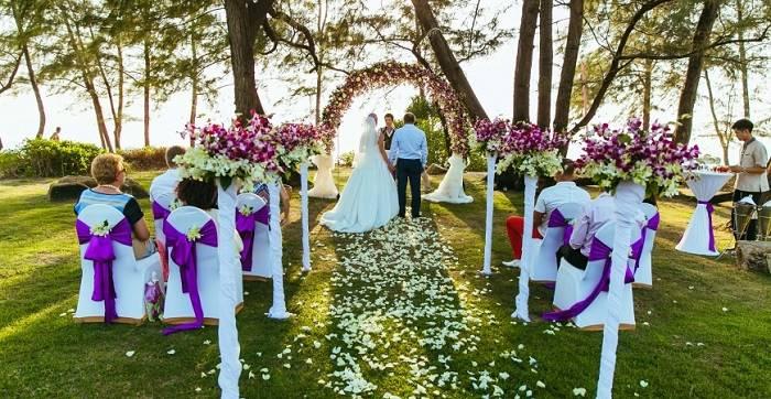 Сколько денег подарить на свадьбу