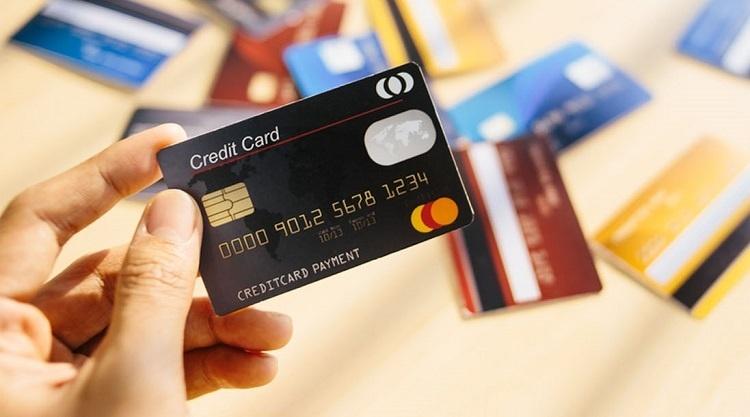 Банки Крыма бьют рекорды по выдаче кредитных карт