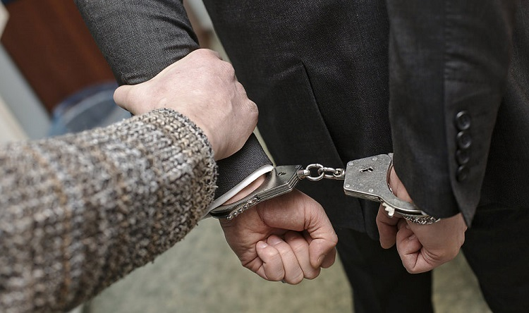 Обвиняемый в авантюрах с кредитами владелец СетьСтройсервиса взят под стражу