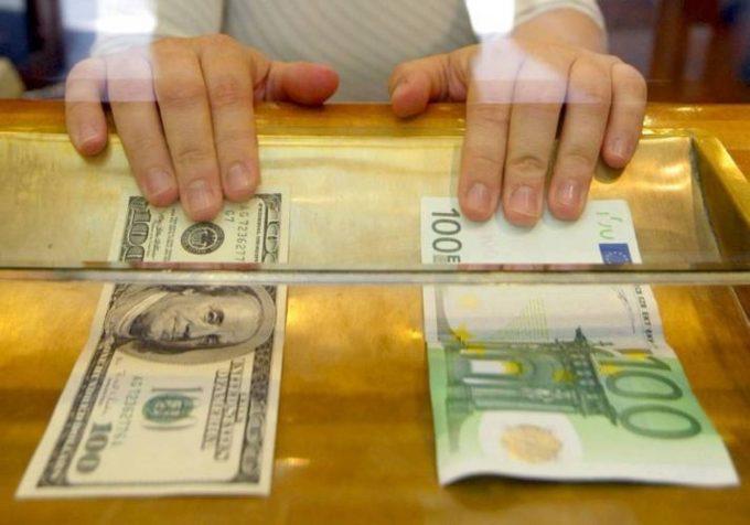 6 ценных советов экспертов о том, стоит ли покупать доллары в 2019 году