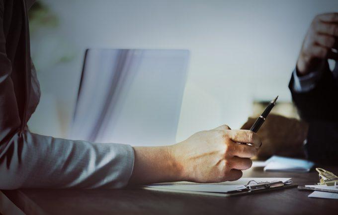 Как правильно давать деньги в долг под залог или поручительство