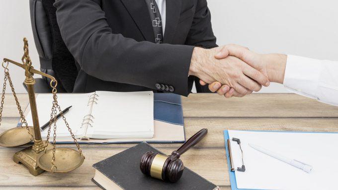 Как выбрать финансового управляющего для процедуры банкротства