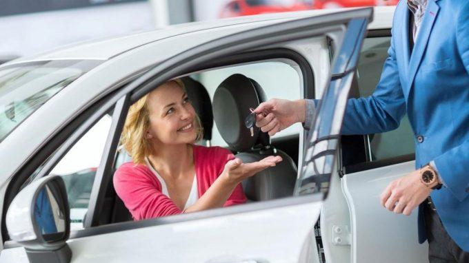 В каком банке оформить кредит с господдержкой на автомобиль