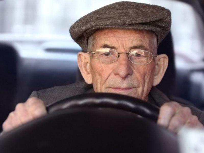 Какие есть льготы на транспортный налог для пенсионеров