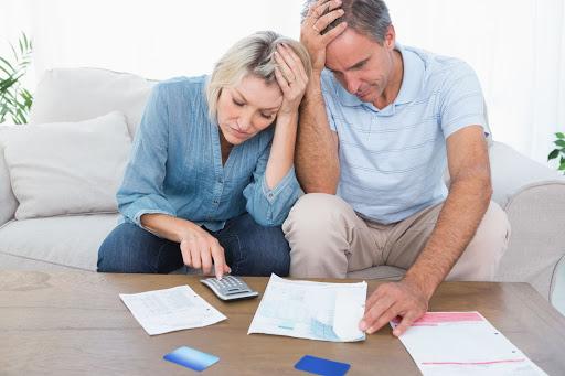Способы продажи квартиры с долгами по ЖКУ