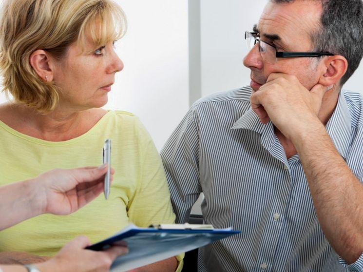 Что делать, если человек отказывается платить взязый для него кредит