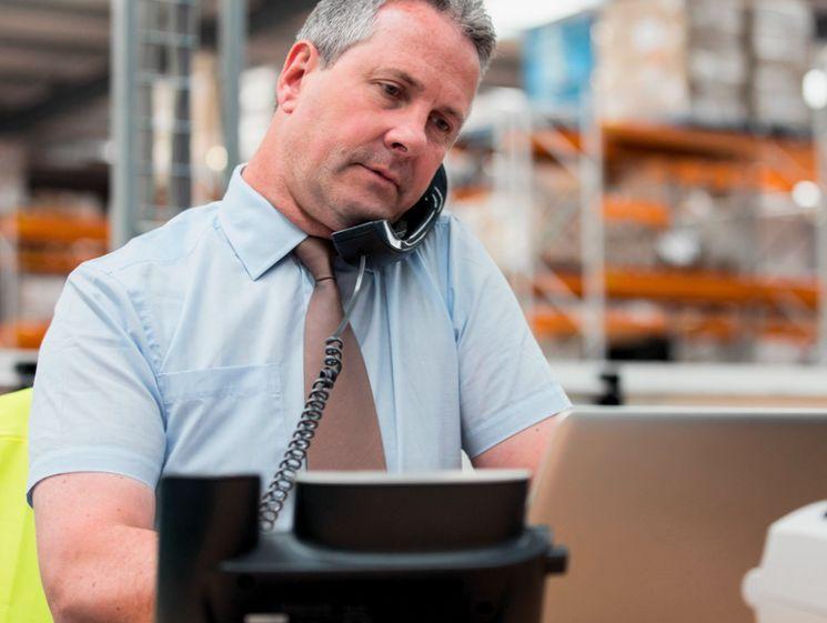 Имеют ли право должникам звонить на работу